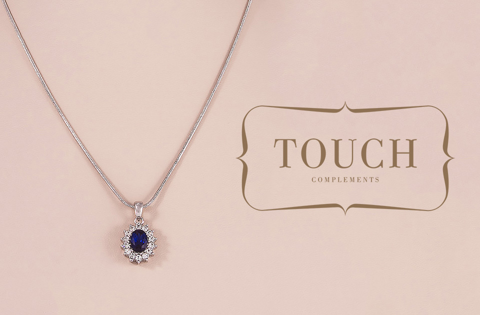667-touch-complements-collar